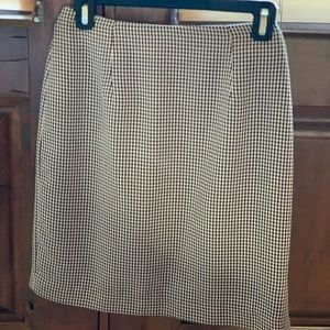 Laura Scott Midi Houndstooth Skirt
